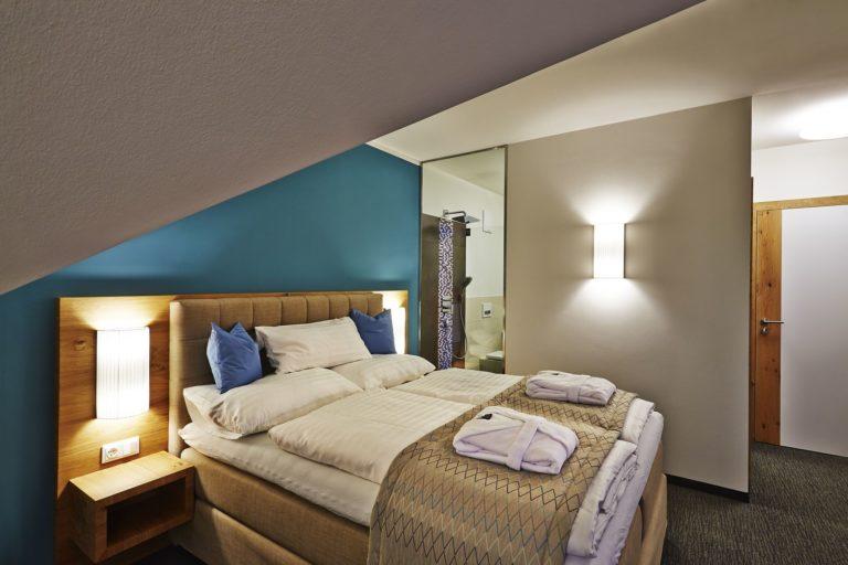 R&R Residenzen Mitterbach Betriebs GmbH, Innenarchitektur, 1 Appartement mit zwei Schlafzimmern und Wellnessbereich.